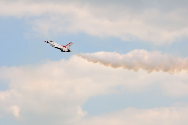 Lone Thunderbird F-16 Climbing