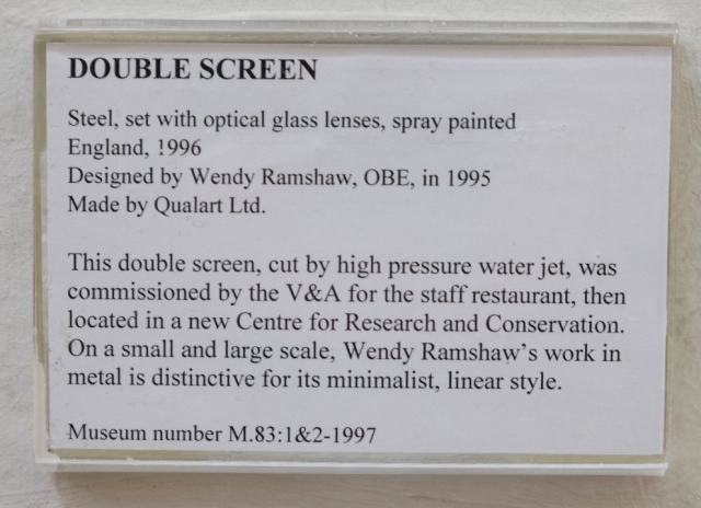 Double Screen museum information card